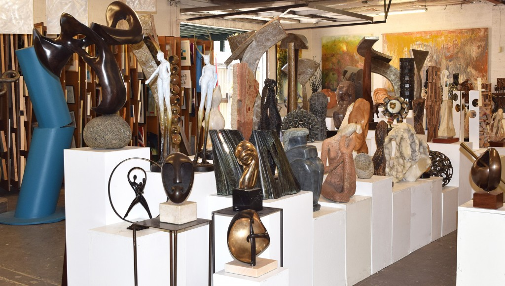 Showroom with sculptures and paintings